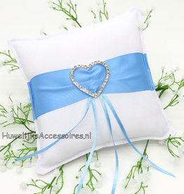 Witte trouwring kussen blauwe satijnen sjerp