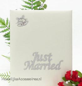 """Zilver """"Just Married"""" gastenboek"""