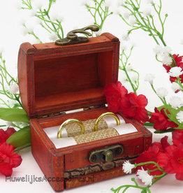 Antiek schatkist trouwring doosje
