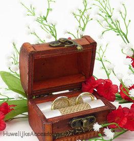Antiek schatkist trouwringen doosje