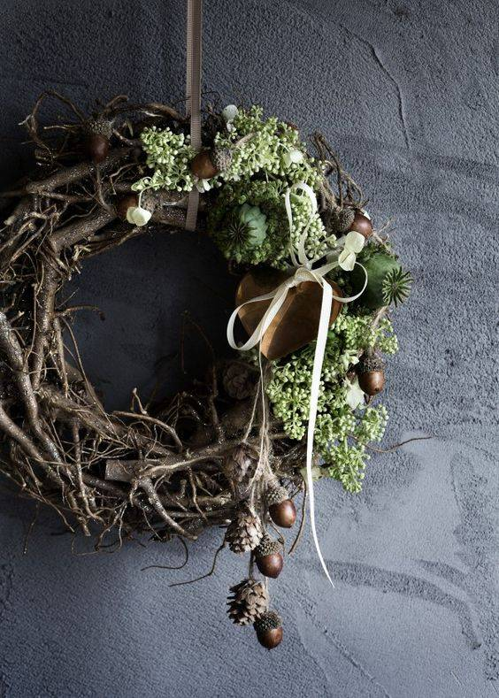 Grape wood wreath
