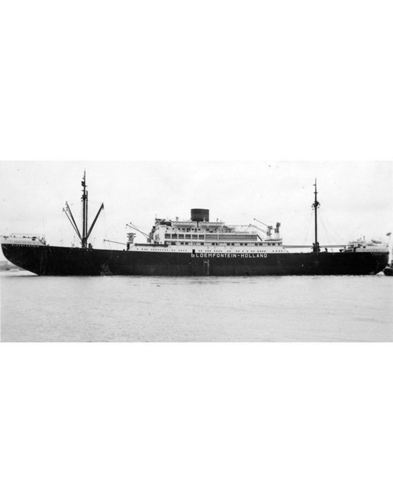 """NVM 16.10.033 vracht-passagiersschip ms """"Bloemfontein"""", """"Boschfontein""""."""