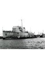"NVM 16.11.007 HrMs flottieljevaartuig ""Soemba"", "" Flores"" (1926)"