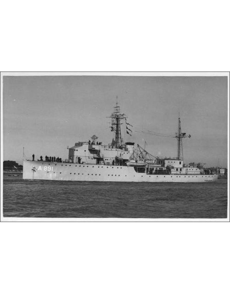 """NVM 16.11.025 radarinstructieschip HrMs """"Soemba"""" (na verbouwing, 1957)"""