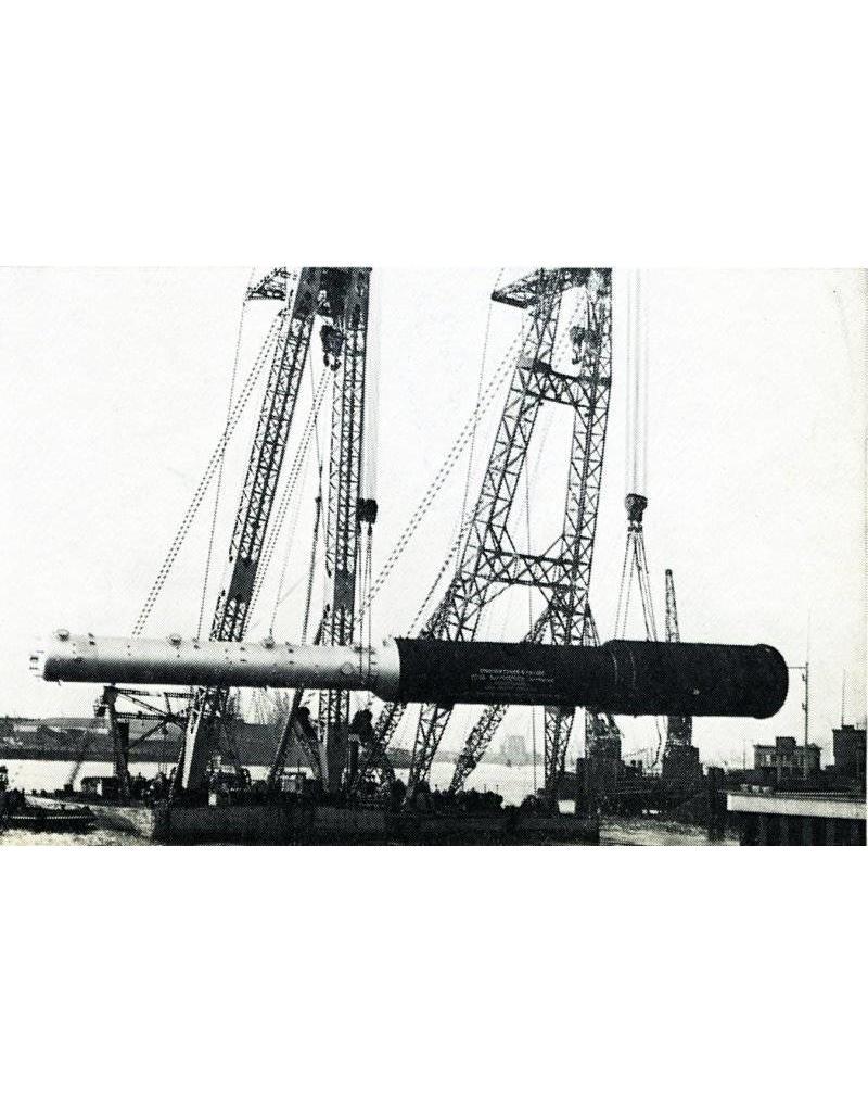 """NVM 16.19.001 drijvende bok """"Kolossus"""" (1965) - Tak's Bergingsmij."""