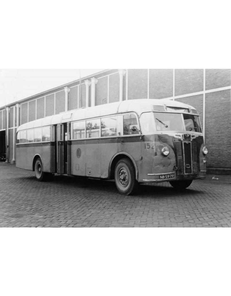 NVM 40.03.001 autobus RET 107-111 (1947)