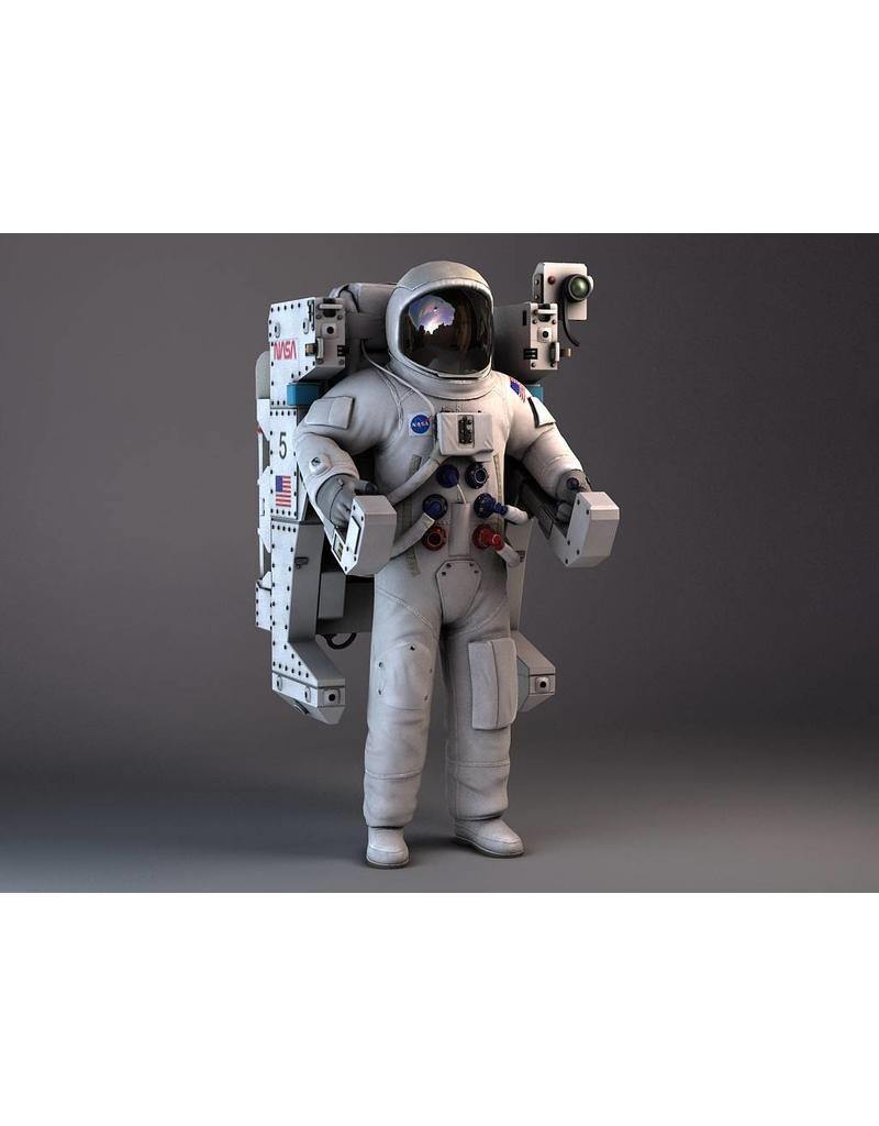 NVM 50.20.002 astronaut met MMU