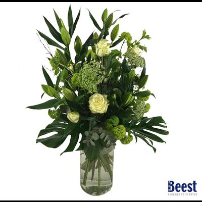 Vaasarrangement rouwbloemen wit (incl. vaas)