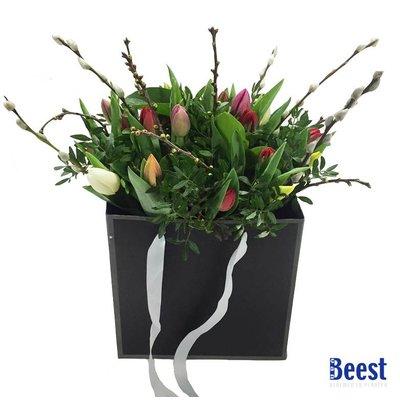 Boeket in tas gemengde tulpen
