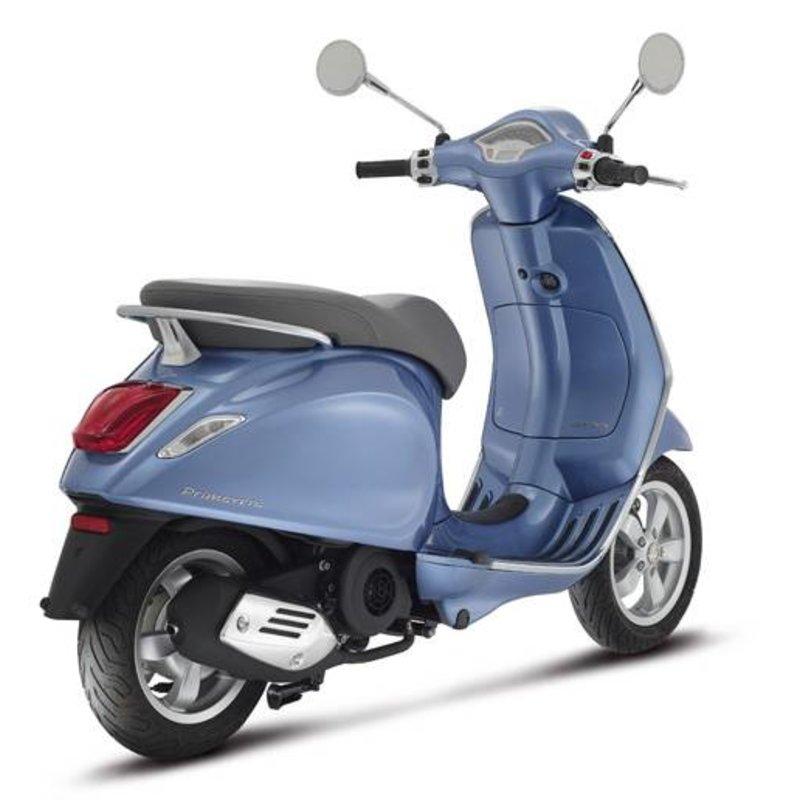 Vespa Primavera 50 4T blauw