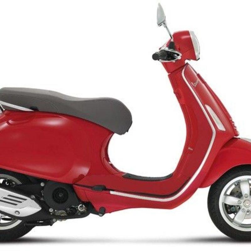 Vespa Primavera 50 4T rood