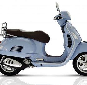 Vespa GTS 300 ABS Classica light blue