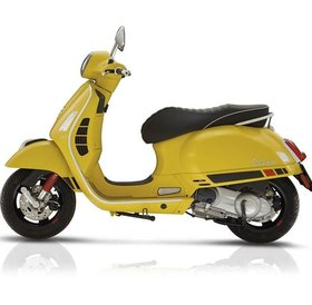 Vespa GTS Super Sport 300IE yellow
