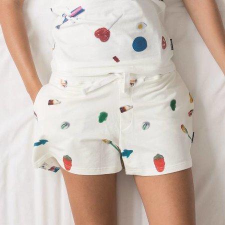 SNURK Kids Short Candy Blast met een print van snoepjes