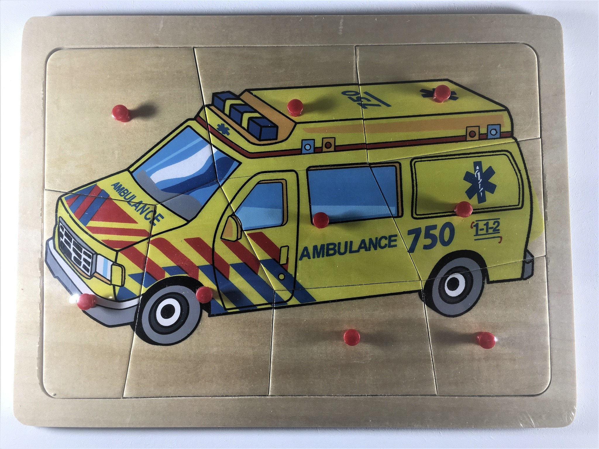 Knopjes puzzel ambulance 9 stukjes