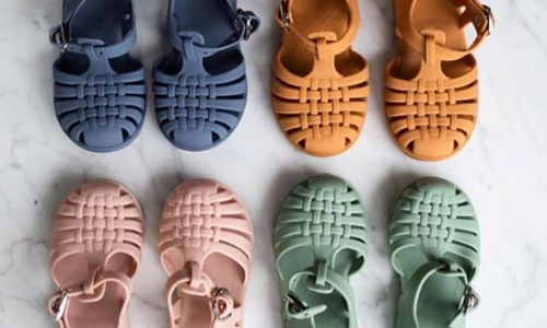 Schuhe / Accessoires