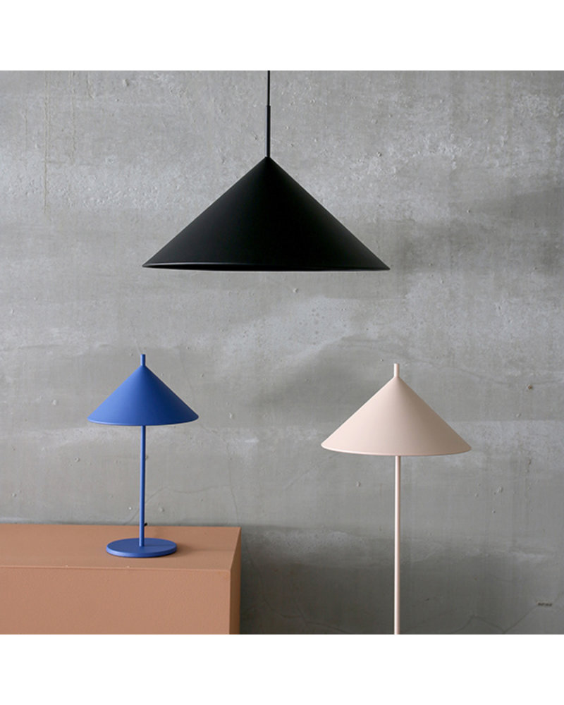 HK Living METAL TRIANGLE TABLE LAMP L white