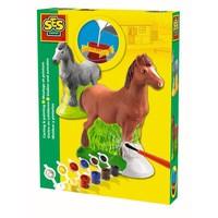 Figuren gieten en schilderen SES paard