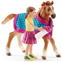 Schleich Veulen met deken 42361 - Paard Speelfiguur - Horse Club - 18,7 x 5,2 x 16,5 cm