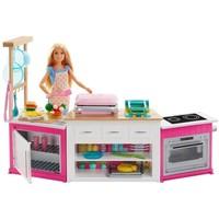 Ultieme keuken met pop Barbie