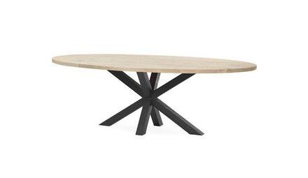 Ovale eiken tafels