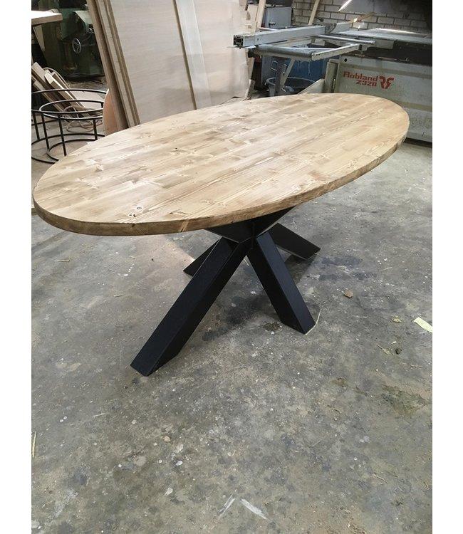 Ovale tafel | Vuren | Kruispoot | Leeuwarden