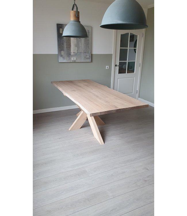 eiken boomstamtafel-houten spinpoot-Sittard
