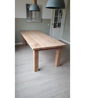 Eiken tafel | Marlou | Almelo