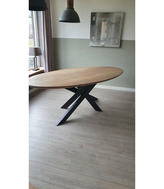 Ovale tafel | Eiken |  Twister | Vasse