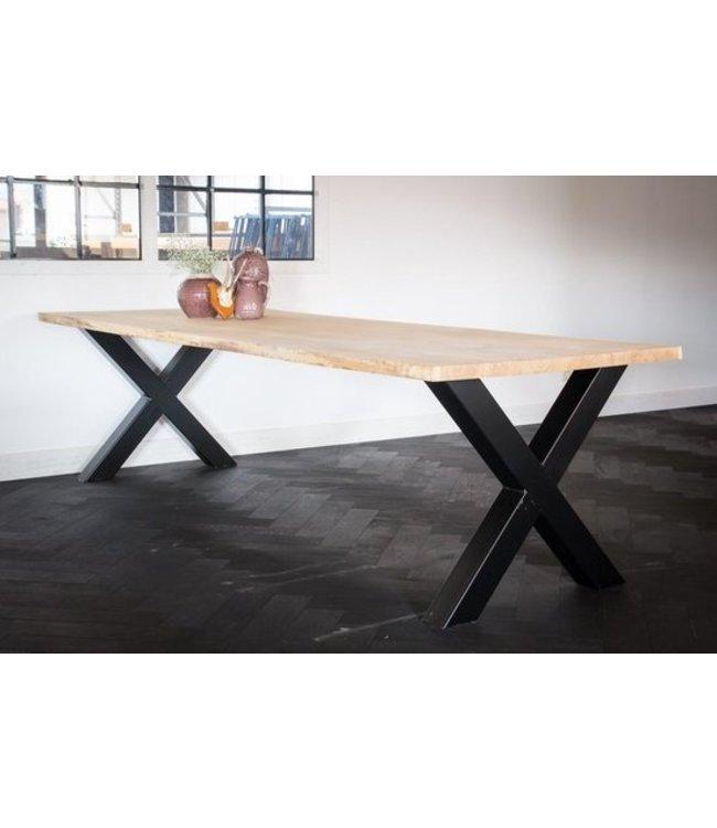 Industriële tafel | Eiken | Metalen  X-onderstel | Zwolle