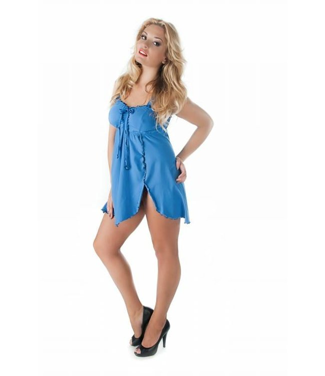 Andalea Simple blue chemise made of soft cotton with wide straps and cut under the breasts.