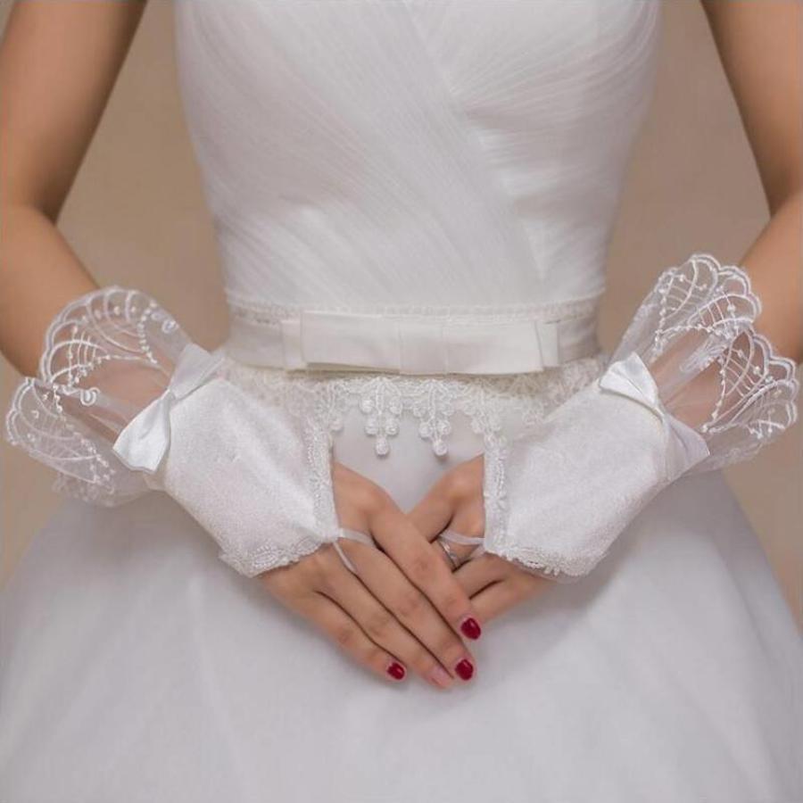 Elegante Ivoorkleurige Bruidshandschoenen-1