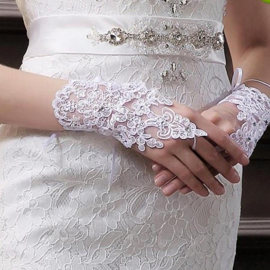 Elegante Witte Bruidshandschoenen-2