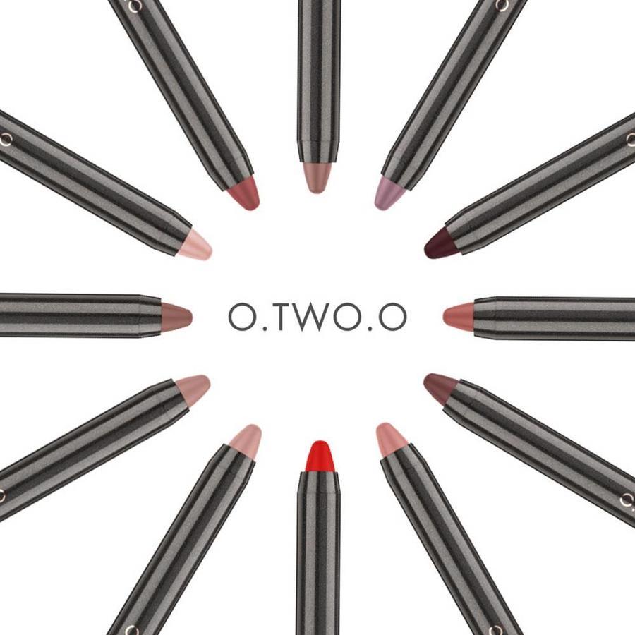 Crayon Matte Lipstick - Color 01 Cedar-7