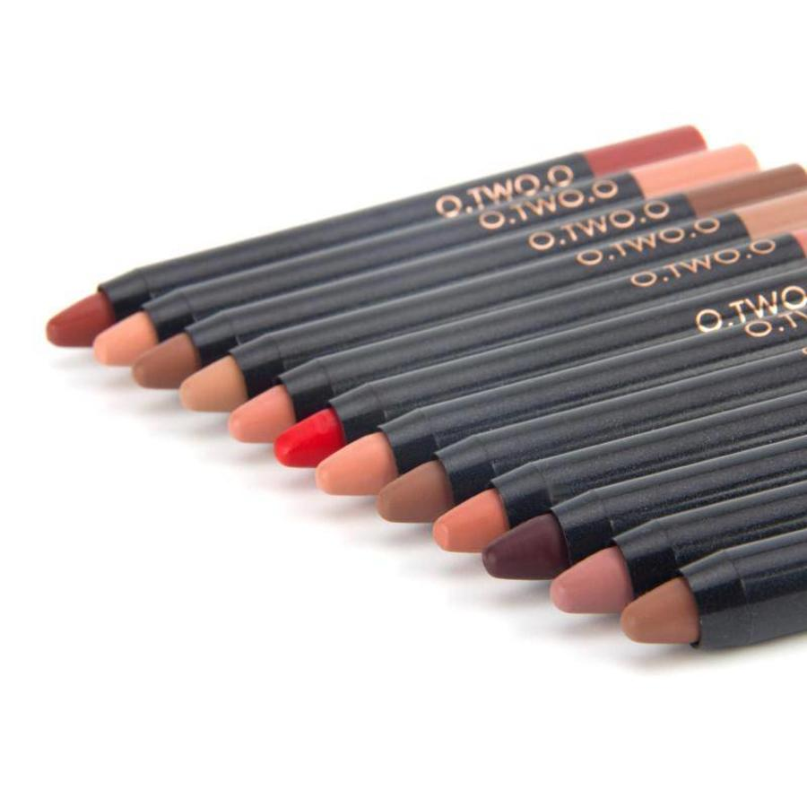 Crayon Matte Lipstick - Color 12 Ruby Red-7