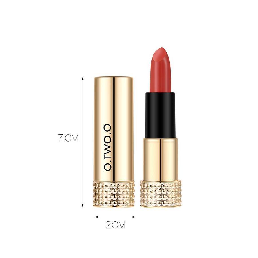 Luxery Classics Soft Matte Lipstick - Color 3101A Requiem-7