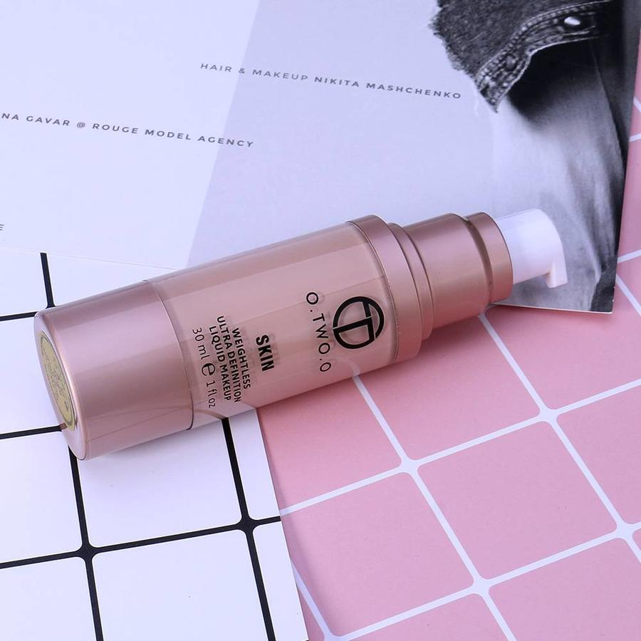 O.Two.O - Flawless Smooth Foundation - Color 3.0 Daylight-7