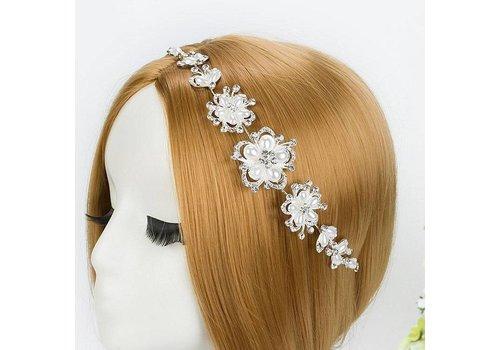 Stijlvol Haar Sieraad met Ivoorkleurige Parels en Fonkelende Diamanten