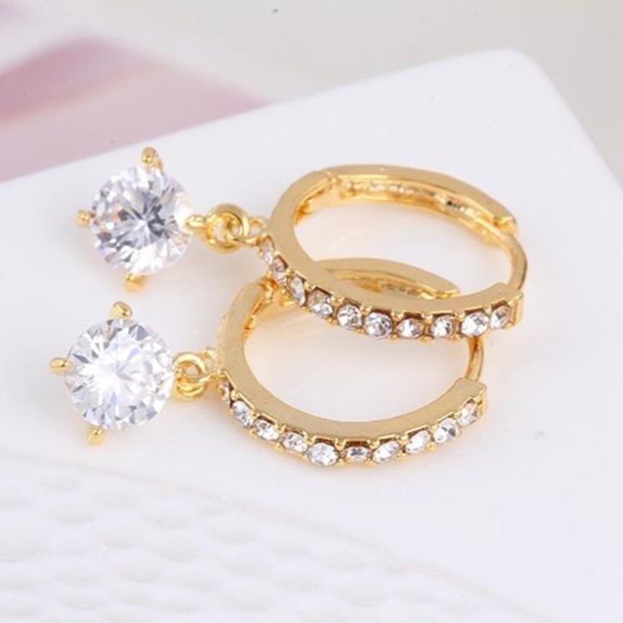 Elegante Goudkleurige Oorringen met Fonkelende Diamant-3