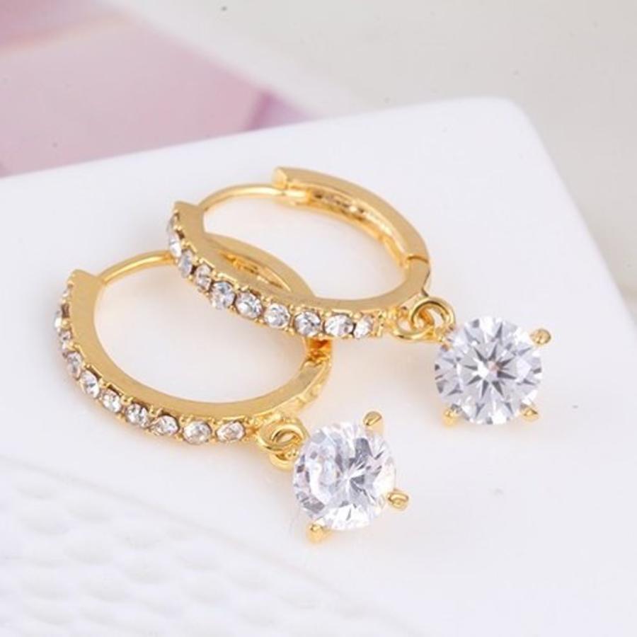Elegante Goudkleurige Oorringen met Fonkelende Diamant-2