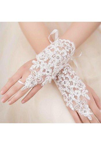 Ivoorkleurige Bruidshandschoenen met Kristallen