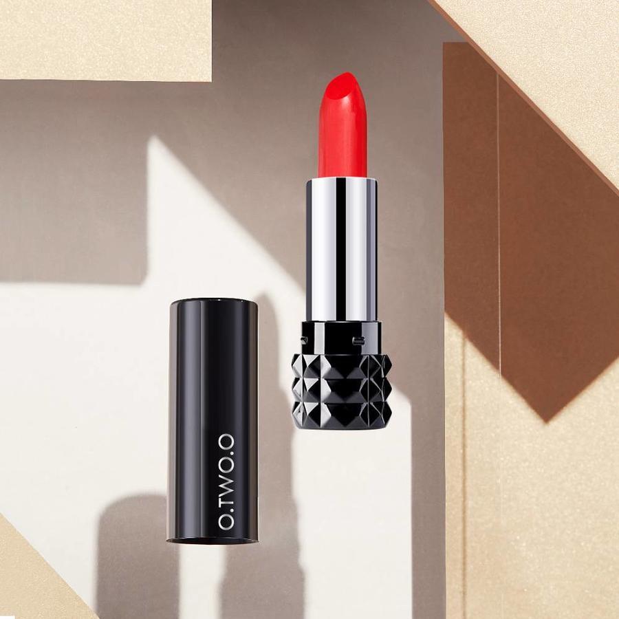 O.Two.O - Magical Kiss Matte Lipstick - Color BGL 01-9