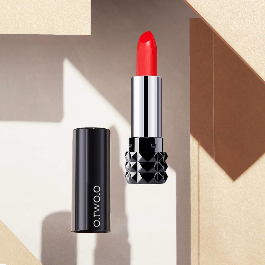 Magical Kiss Matte Lipstick - Color BGL 07-9