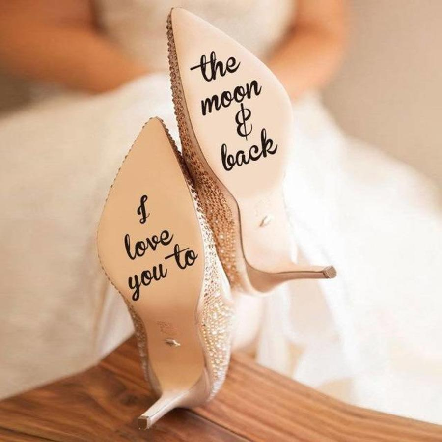 I Love You To The Moon And Back - Sticker - Zwart - 4 cm.-1