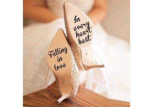 Falling In Love In Every Heart Beat - Sticker - Zwart - 4 cm.