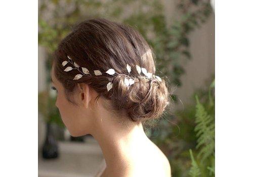 Stijlvol Zilverkleurig Haar Sieraad met Blaadjes