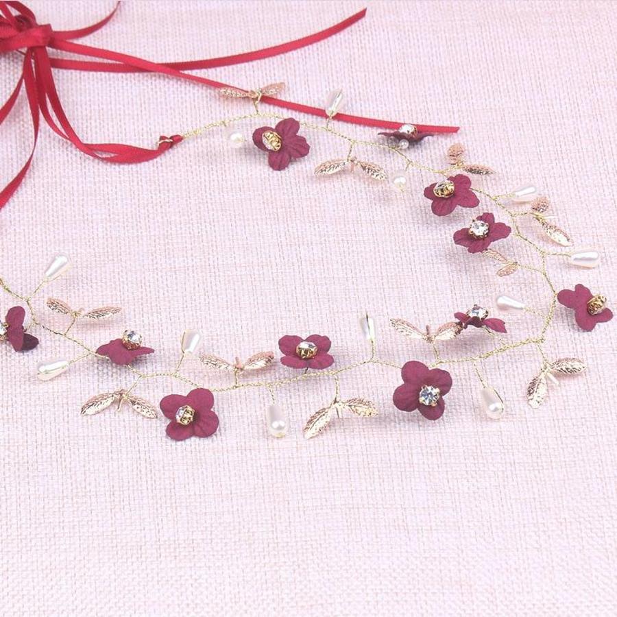 Goudkleurig Haar Sieraad met Donker Rode Bloemen-2