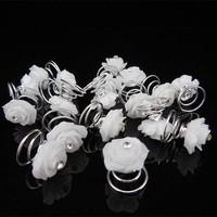 thumb-Prachtige Witte Roosjes met Diamantje Curlies - 5 stuks-5