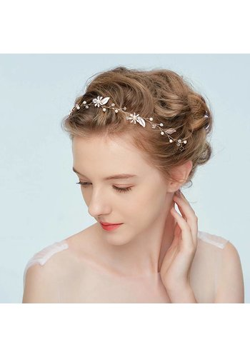 Goudkleurig Haar Sieraad met Zacht Roze Blaadjes en Bloemetjes
