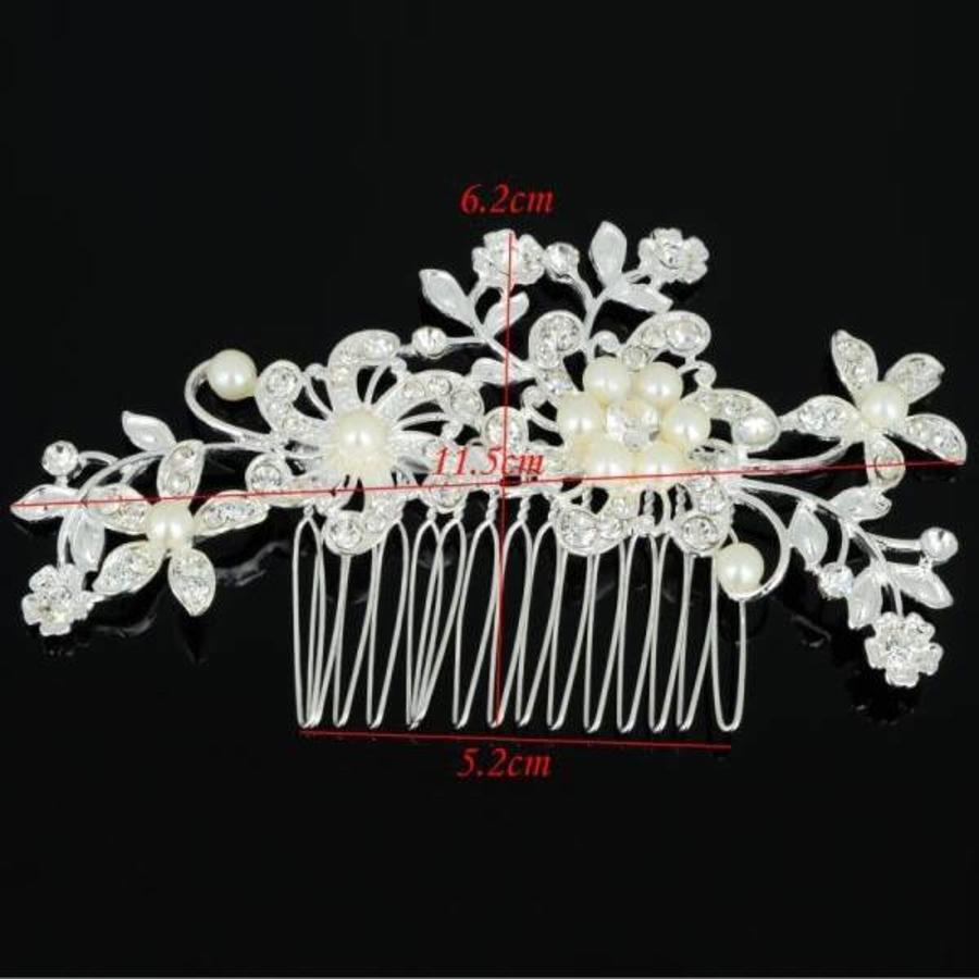 Stijlvolle Haarkam met Bloemen en Parels-5